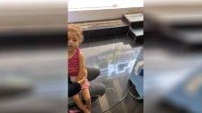 """بالفيديو/ قصدت محلًا لتشغيل ماكينة الأوكسجين لطفلتها في صور بسبب تقنين الكهرباء و""""الإشتراك"""" في زمن شح المازوت!"""