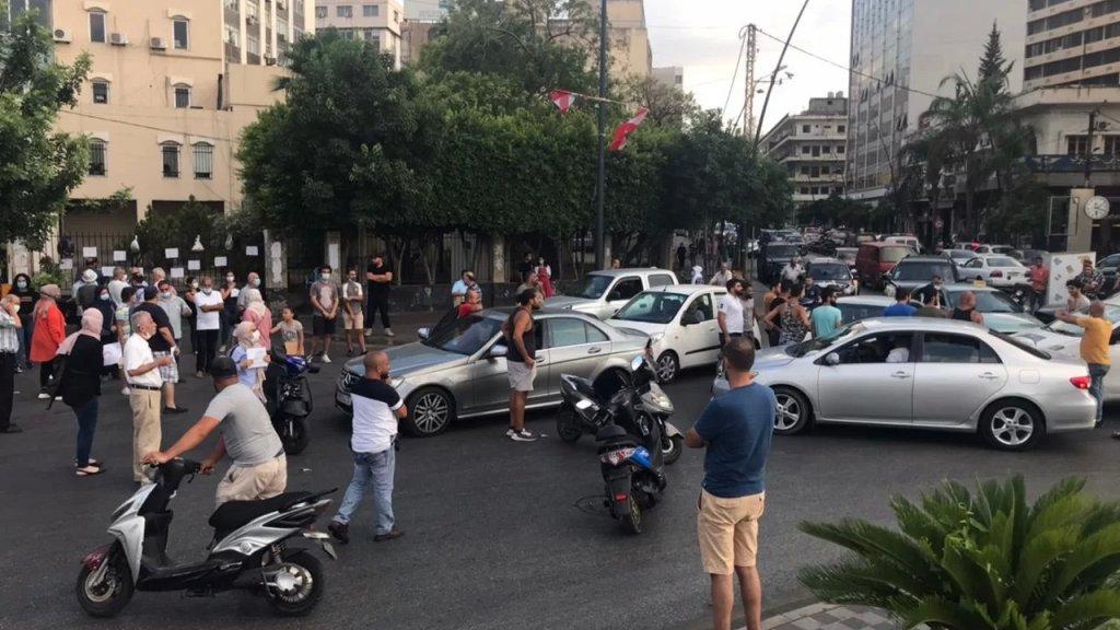تحركات في شوارع صيدا احتجاجاً على نفاد مادة المازوت
