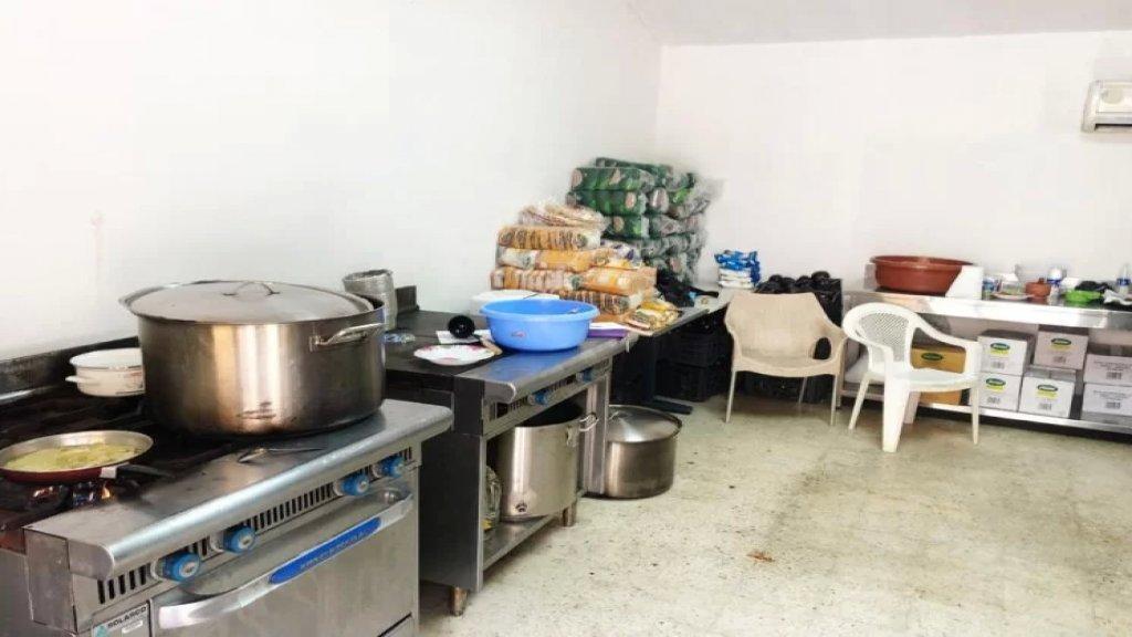 الحاجة أم الإختراع.. طعام وحلاقة مجاناً في «الداخلية»: هكذا تتكيف المؤسسة العسكرية والأمنية مع الأزمات