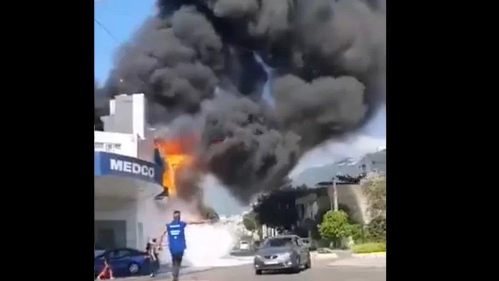 """بالفيديو/ إندلاع حريق كبير في محطة """"ميدكو"""" في صربا قرب ثكنة الجيش دون معرفة الأسباب"""