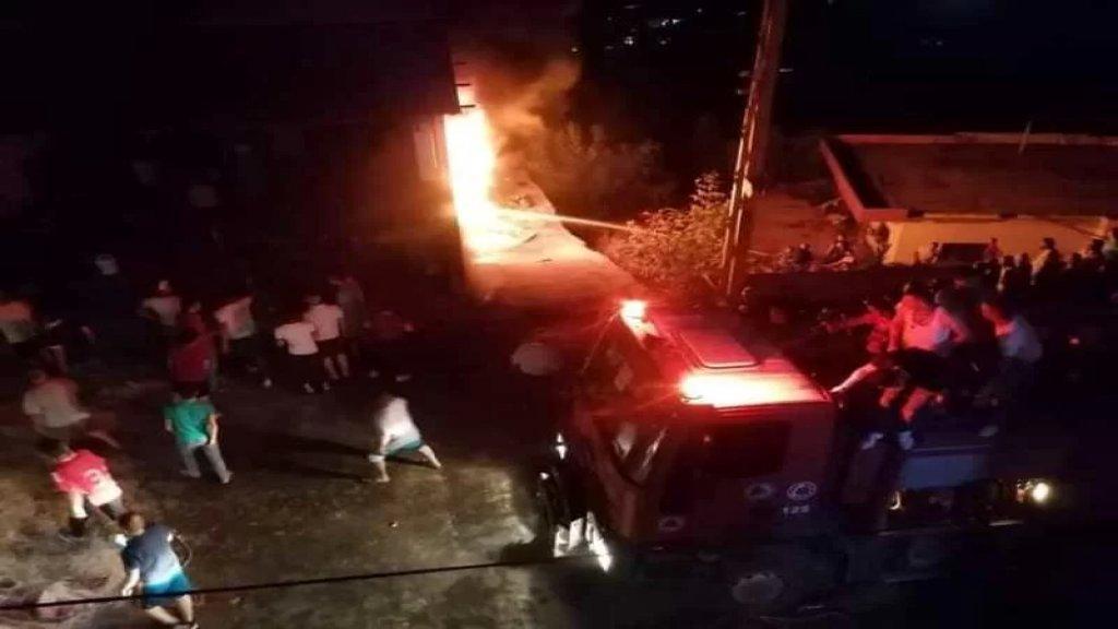 26 إصابة بالإختناق بسبب حريق مستودع أعلاف في قرصيتا الضنية