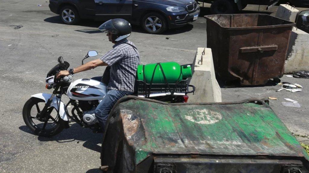 مصرف لبنان يرهن الناس: لا محروقات قبل تحديد سعر الدولار (الأخبار)