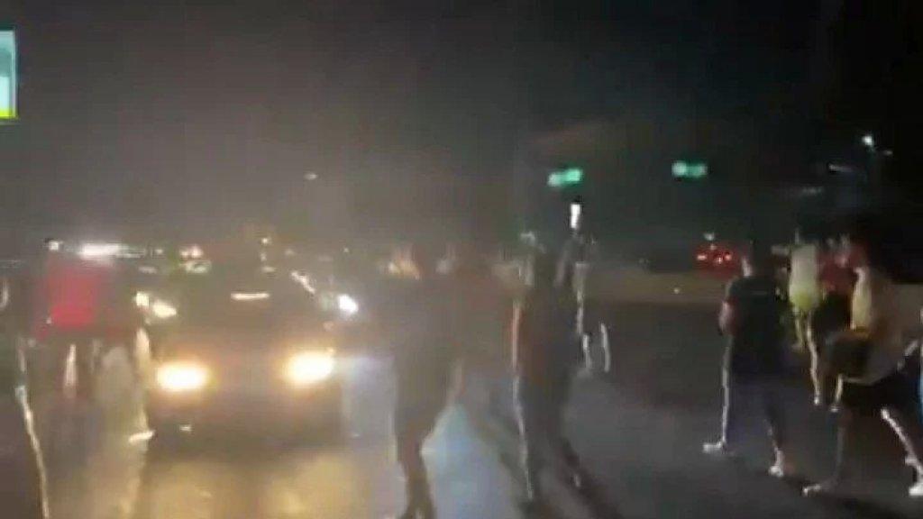 بالفيديو/ قطع السير على أوتوستراد جبيل