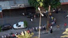 بالصورة/ طوابير مستمرة أمام أحد الفران في البداوي