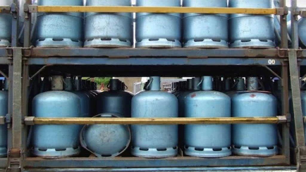 نقيب مالكي ومستثمري معامل تعبئة الغاز المنزلي: مصرف لبنان وافق على دخول باخرة غاز سعة 5000 طن الاثنين