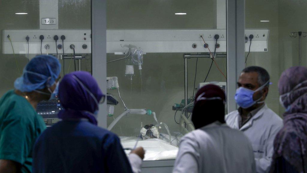 """أبو شرف: """"الأطباء محجوزون في منازلهم ولا يتمكّنوا من الوصول إلى الطوارئ لمعالجة الحالات الطارئة بسبب فقدان مادة البنزين"""""""