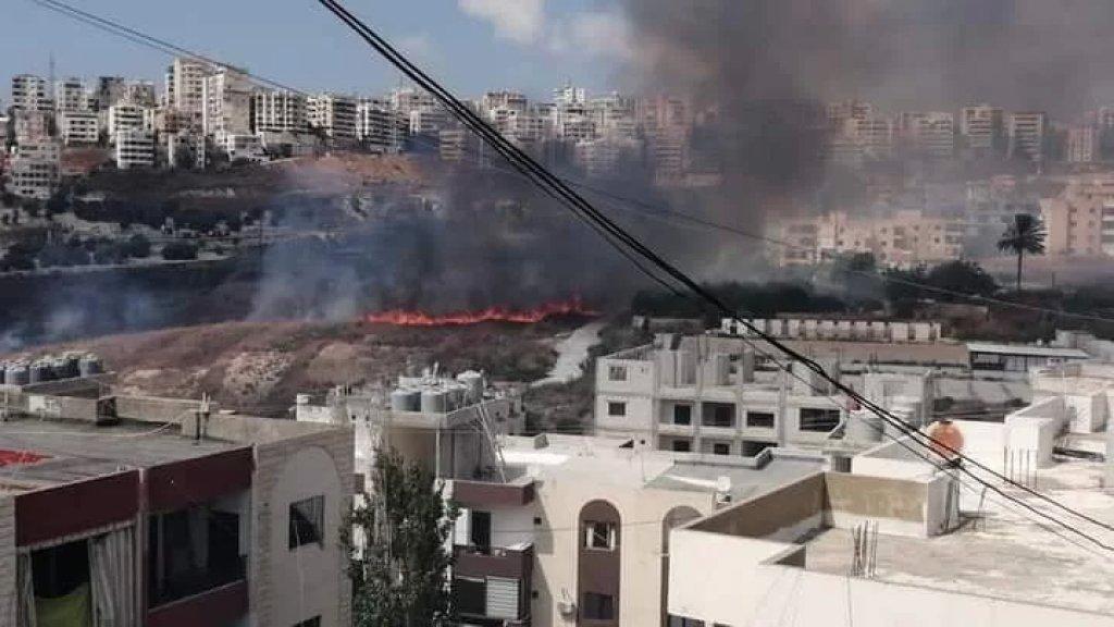 حريق كبير بين بلدتي حارة صيدا وعبرا وفرق الاطفاء تعمل على اخماده