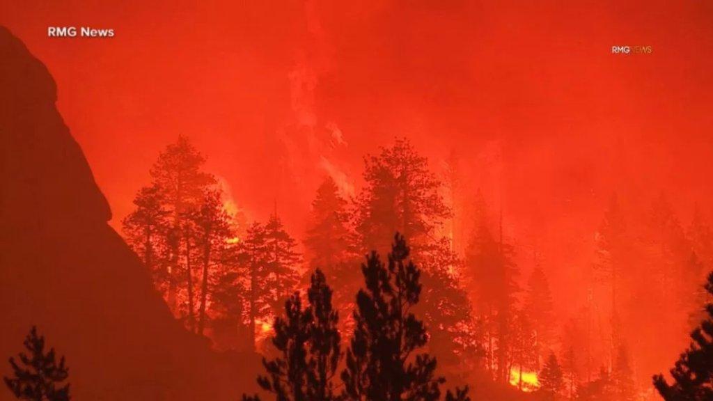 بالفيديو/ حرائق كاليفورنيا..  مئات المباني تدمرت وإنذارات بإخلاء آلاف المنازل
