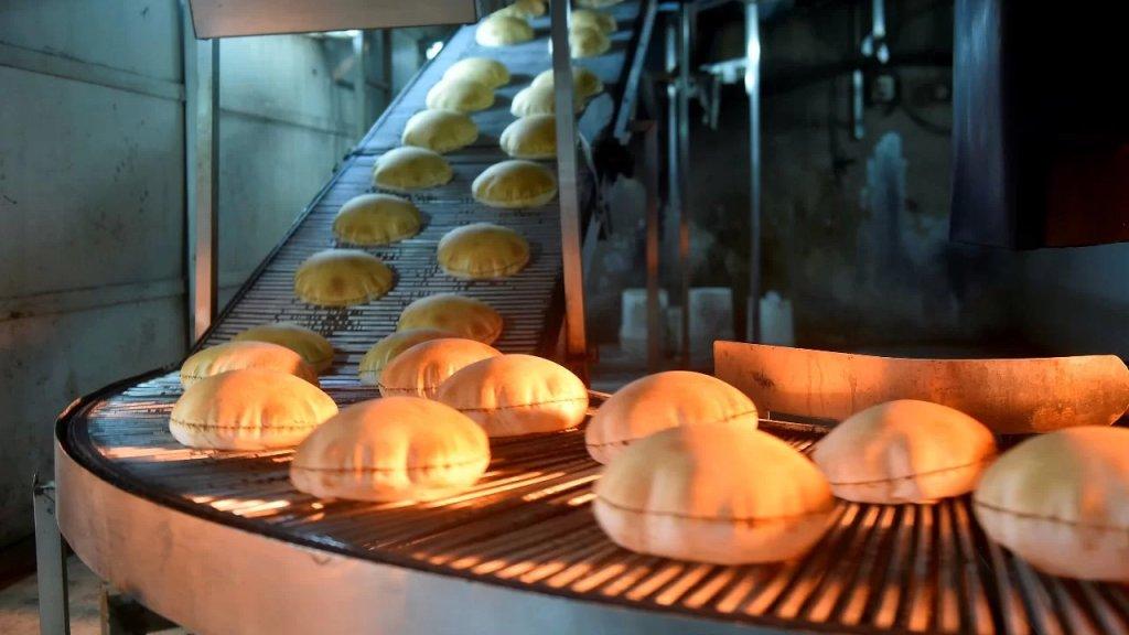 وزارة الاقتصاد تحدد سعر ووزن ربطة الخبز