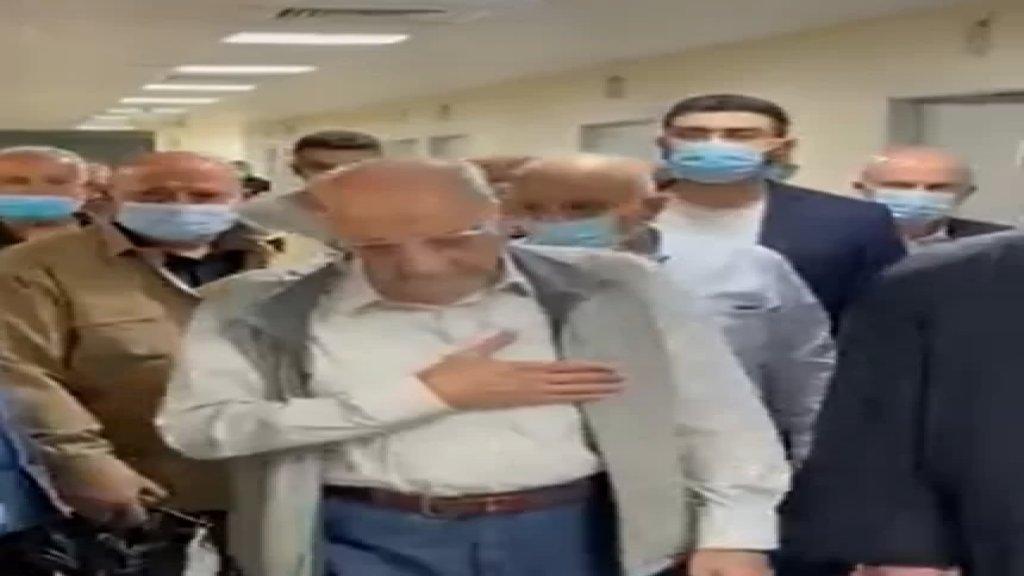 بالفيديو/ الرئيس بري إلى جانب الشيخ أحمد قبلان مع وفد متوجهين لالقاء النظرة الاخيرة على جثمان الراحل قبلان