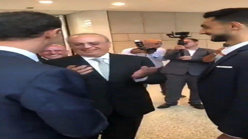 """بالفيديو/ وهاب للرئيس الأسد ممازحاً: """"ابني هادي تزوج مبارح... هوي اللي اتفقنا نعملو رئيس"""""""