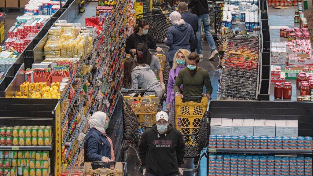 تراجع مبيعات السوبرماركت 80%.. وتسجيل حالات تسمّم غذائي!
