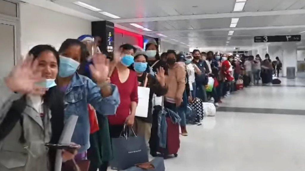 سفارة الفلبين في لبنان تعيد 280 فلبينيًا إلى وطنهم الأم