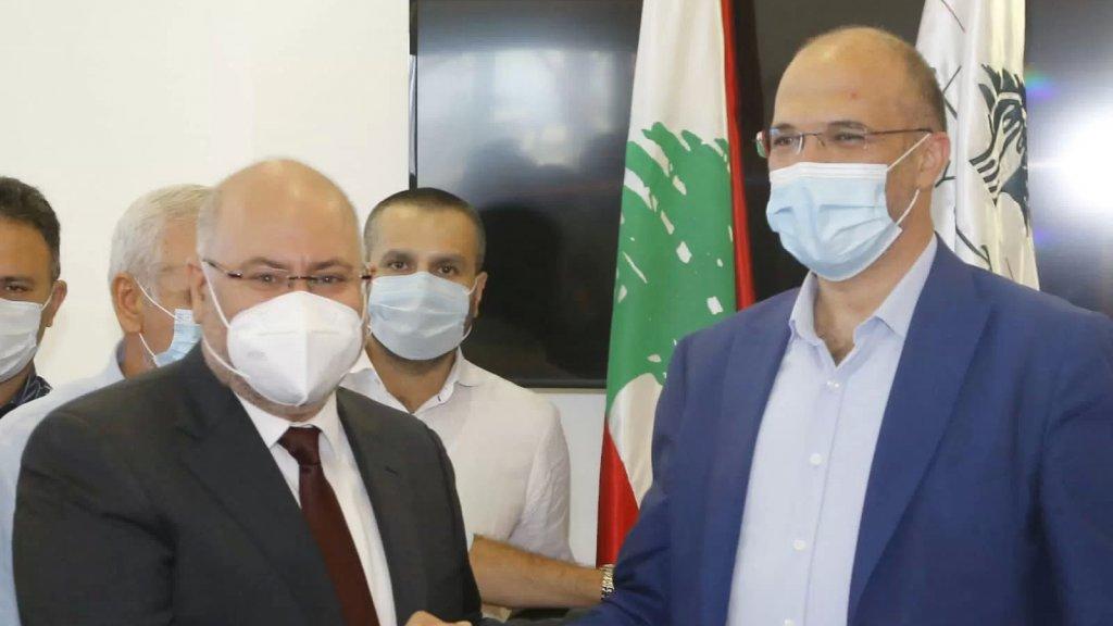 حمد حسن في التسليم والتسلم: قدمت الصحة نموذجا في استعادة ثقة المواطن وحازت ثناء دوليا