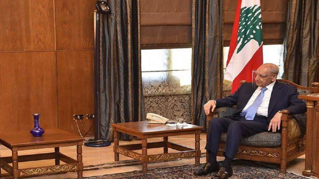 الرئيس بري تلقى إتصالاً من مفتي الجمهورية وتأكيد على تطبيق القانون والدستور حفاظاً على الوحدة الوطنية