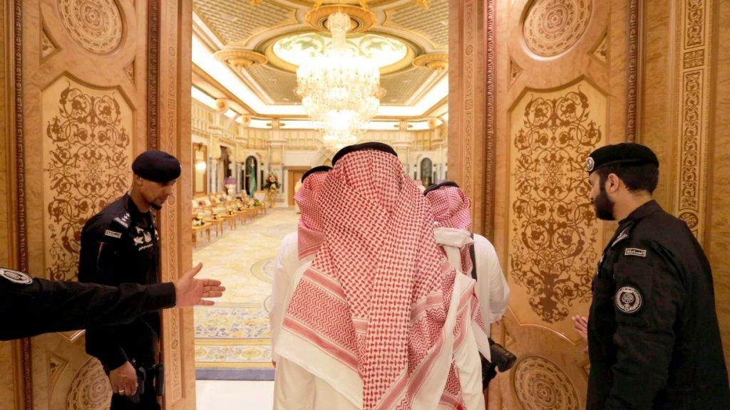 قائمة أكثر العائلات ثراءً في العالم للعالم 2021.. 25 عائلة من بينها عائلة عربية