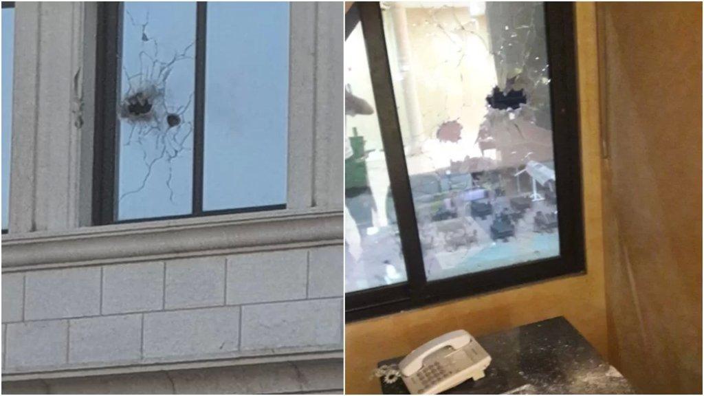 بالصور/ رصاصات طائشة جراء اشتباكات عين الحلوة طاولت مكتب رئيس بلدية صيدا: رصاصة إستقرت على كرسيه