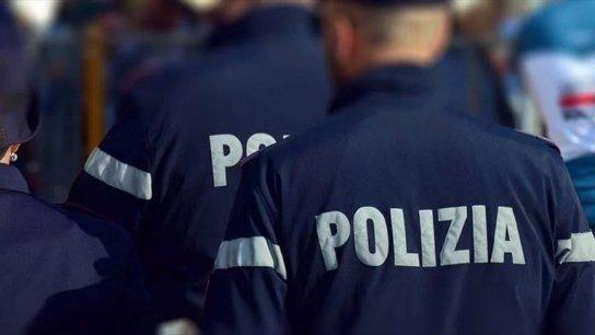 إيطالي يضرب شرطيًا كي يدخل السجن بدل الإقامة الجبرية مع حماته!