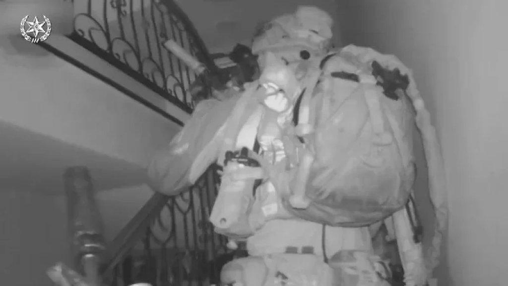 """بالفيديو / الاحتلال يعرض مشاهد لاعتقال الأسيرين """"كممجي"""" و""""انفيعات"""" في جنين"""