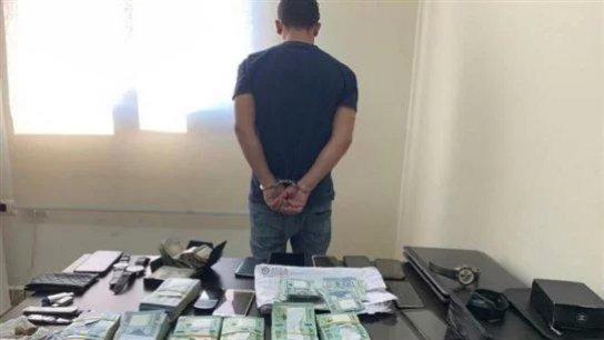 سوري الجنسيّة سرق 100 مليون ليرة و200 دولار وشيكات من الجامعة اللبنانية في صور.. وسرعان ما وقع في شِباك شعبة المعلومات