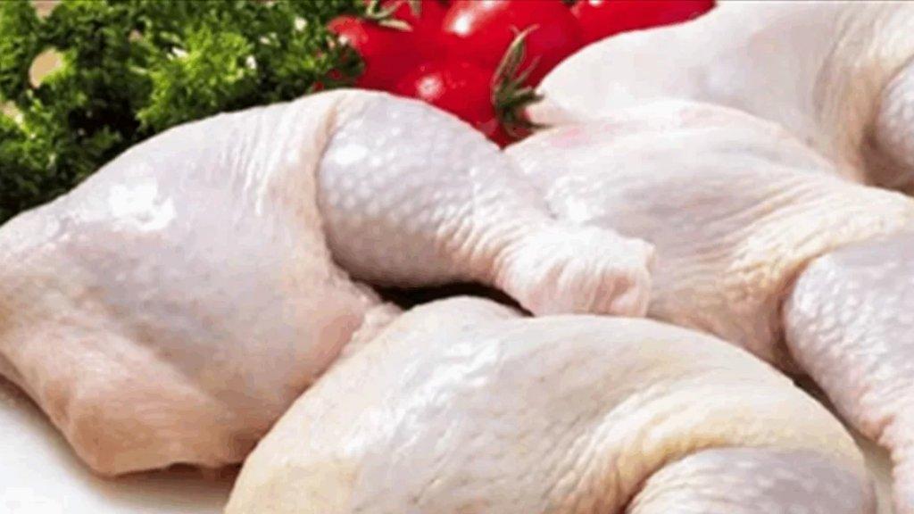 رئيس نقابة الدواجن: أسعار منتجات الدجاج واكبت انخفاض الدولار.. كيلو الفروج أضحى بين 20 و23 ألف ليرة