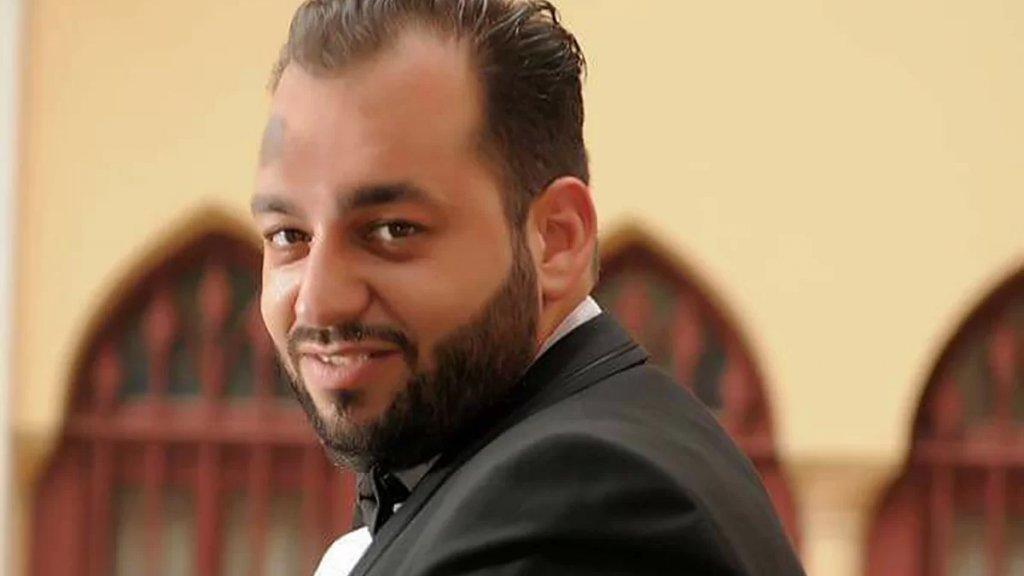 حادث مأساوي أودى بحياة محمد.. اصطدمت دراجته النارية بالفاصل الاسمنتي في الأونيسكو بسبب العتمة