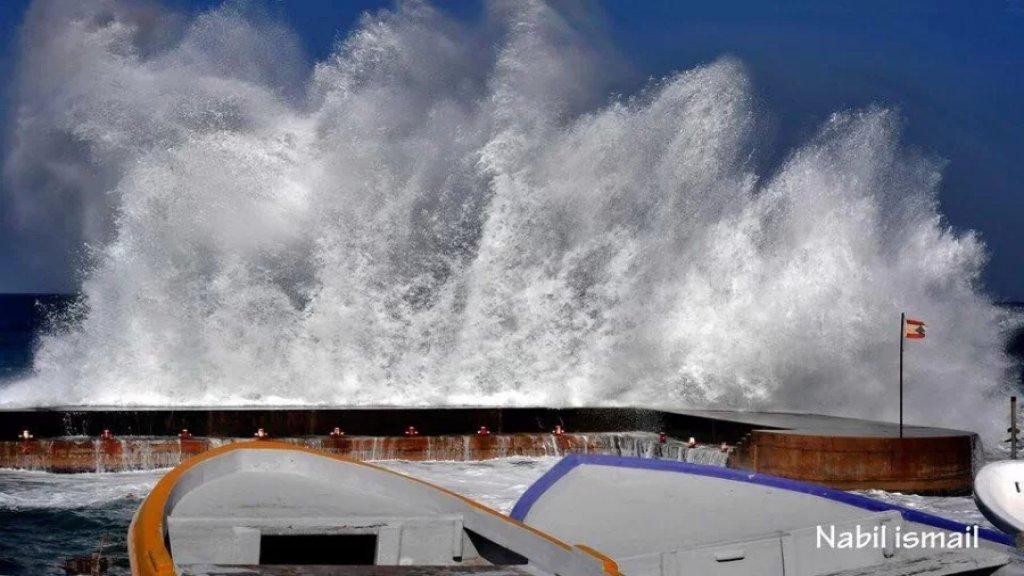 طقس لبنان يتحول الى ماطر بغزارة مع عواصف رعدية.. الرياح تشتد لتصل لحدود الـ75 كلم/س وتحذير من تطاير اللوحات!