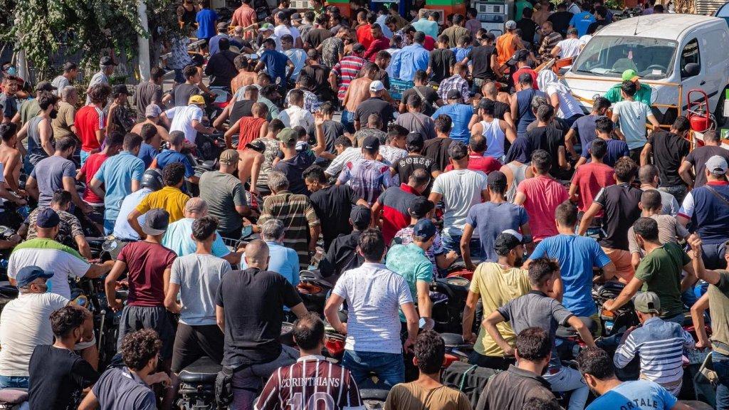 إلى اللبنانيين.. مرحلة جديدة من رفع الدعم عن المحروقات اليوم على سعر صرف يتخطى الـ 12 ألفًا