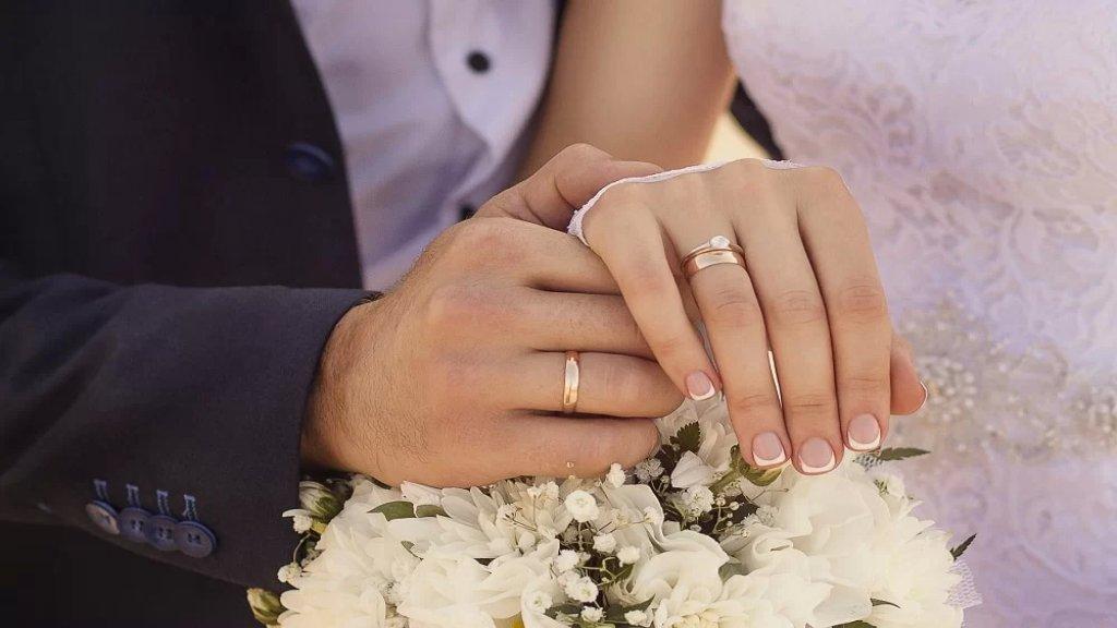 تكاليف الأعراس أصبحت أضعافًا مضاعفة: الزواج يتراجع والطلاق يزداد!