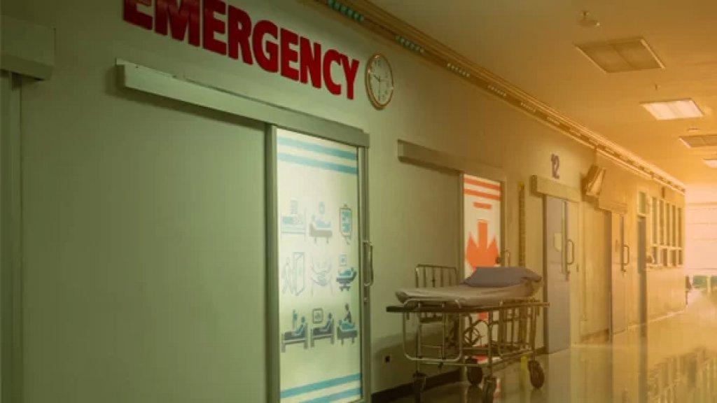 """مأساة في المنية.. وفاة طفلة بعمر السنة والنصف صدمًا بينما كان أحد أقاربها يقود """"فان"""" أمام منزل ذويها"""