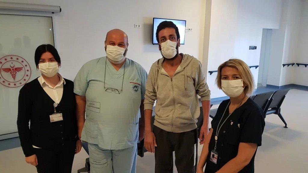 سيعود اليوم إلى لبنان بعد معالجة حروقه البالغة في تركيا.. أحد الناجين من إنفجار التليل!