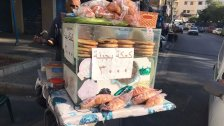 """في  طرابلس """"ام الفقير"""": كعكة الجبنة فقط بـ ٣٠٠٠ ليرة لدى احد البائعين"""