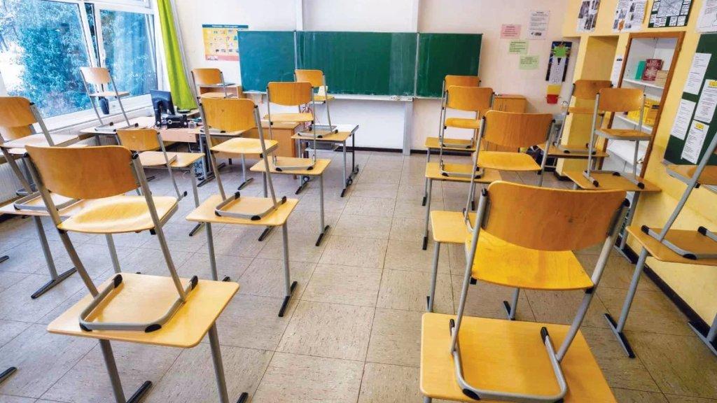 المعلّمون غير قادرون على الذهاب الى المدرسة والراتب لا يكفي لدفع فاتورة المولد!