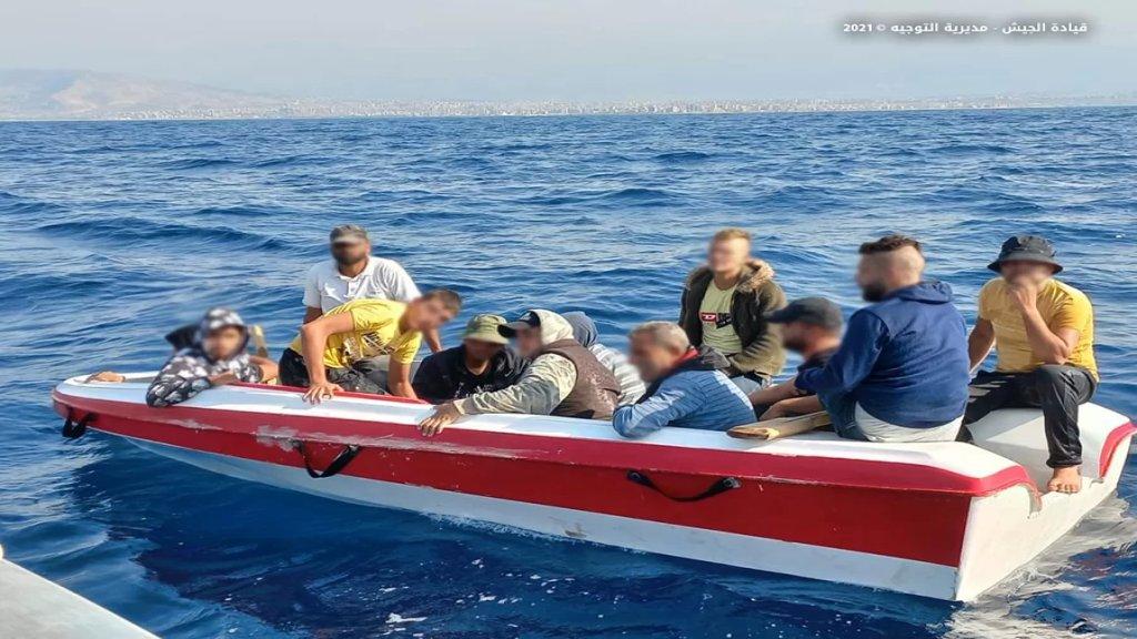 بالصور/ قبالة شاطئ طرابلس... الجيش يحبط عملية تهريب أشخاص بطريقة غير شرعية!
