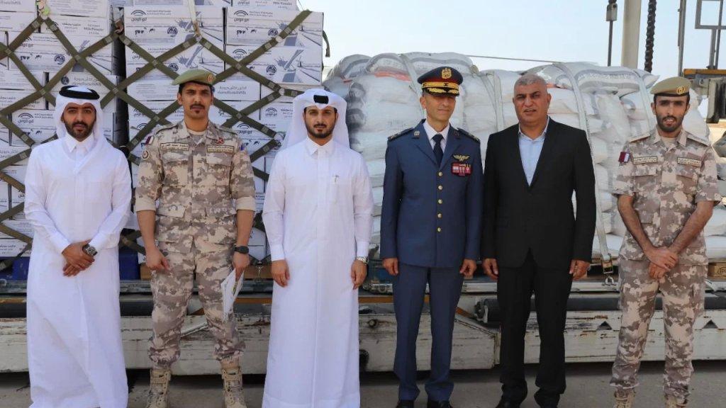 مقدمة للجيش اللبناني.. وصول طائرة قطرية محملة بـ 70 طناً من المواد الغذائية