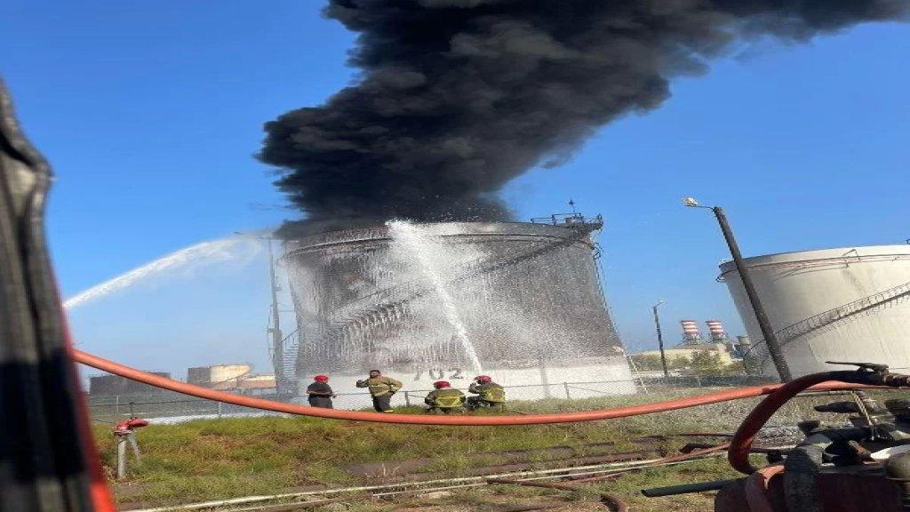 قيادة فوج اطفاء بيروت: تمت السيطرة على حريق الزهراني وعمليات التبريد قائمة