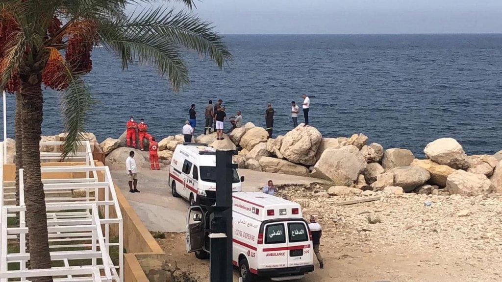 سقوط طائرة مدنية تابعة لنادي الطيران اللبناني، من طراز سيسنا 172 في البحر، مقابل معمل سانيتا في حالات