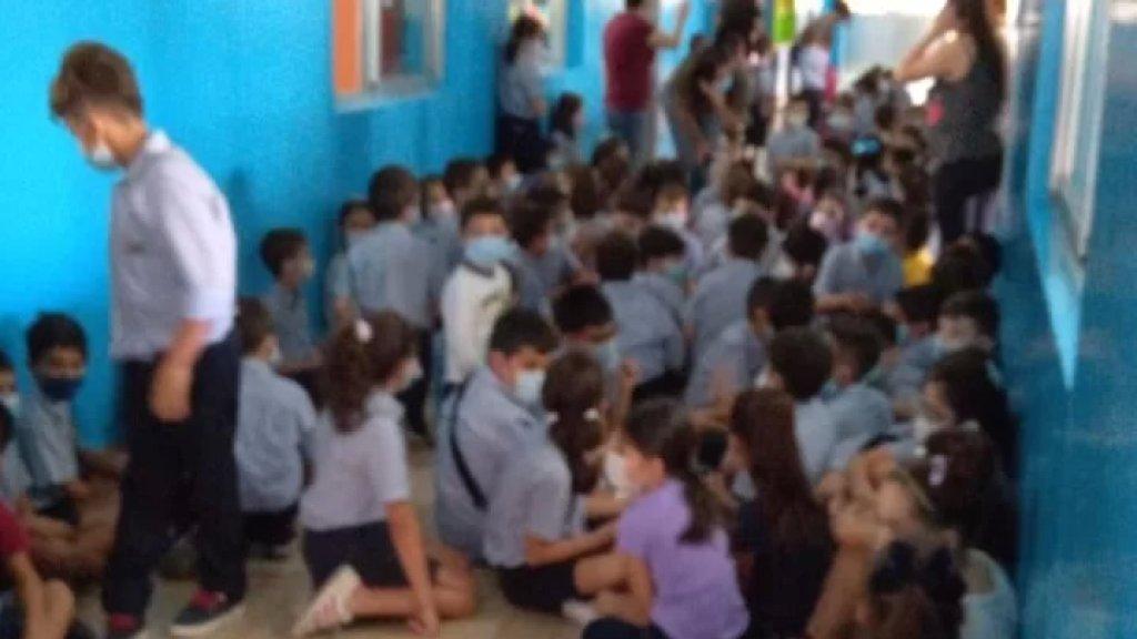 مصدر طبيّ في مستشفى الساحل: حالتان حرجتان أصيبتا أثناء وجودهما في مدرستهما خلال الاشتباكات