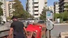 بالفيديو/ ظهور مسلح بعد ظهور قناصين على اسطح المباني خلال عملية الاحتجاج في الطيونة