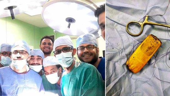 بالصور/ أغرب عملية لأطباء استخرجوا هاتف مريض من معدته في مصر بعدما ابتلعه قبل 6 أشهر!
