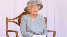 """فرصة """"ذهبية"""" للعمل في قصر باكنغهام.. الملكة إليزابيث تبحث عن عامل نظافة براتب 15 ألف دولار شهرياً والخبرة ليست ضرورية!"""