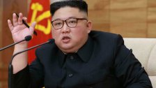 زعيم كوريا الشمالية يأمر مواطنيه بتناول كميات أقل من الطعام: الوضع قد يزداد سوءاً!